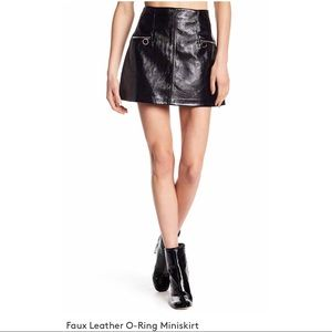 [BLANK N Y C] Black Faux leather o-ring skirt